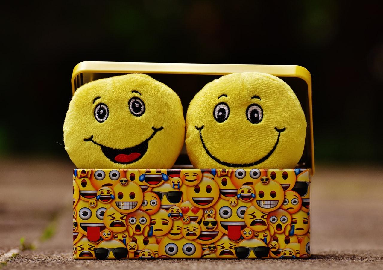 Emojis in Box. Bild für Blog. Emojis in Google-Beschreibung.