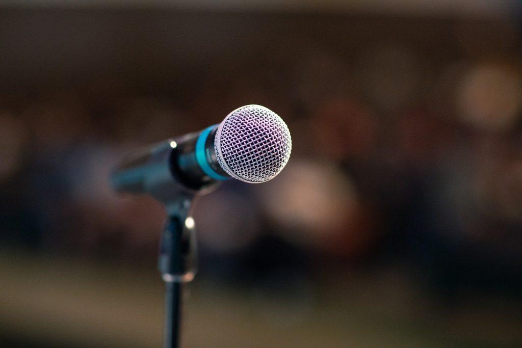 smyle Webdesign-Training-Microphone Public Speech